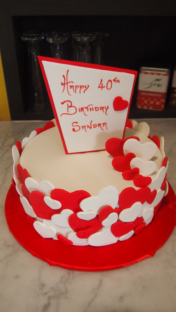 One Tier Round Birthday Cake Hearts Red White The Delicious Biscuit