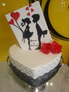 single-tier-heart-engagement-cake-white-black-lace-red-flowers-black-silhouette
