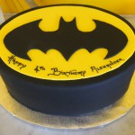 single-tier-oval-birthday-cake-batman