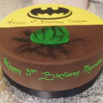 single-tier-round-birthday-cake-boy-hulk-batman