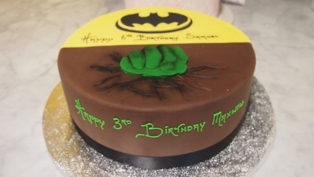 singletierroundbirthdaycakeboyhulkbatman The Delicious Biscuit