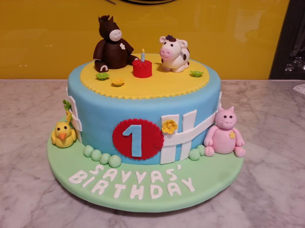 Single Tier Round Birthday Cake Farm Horse Pig Cow The Delicious Biscuit