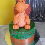 single-tier-round-birthday-cake-green-3D-sculpture-orange-dragon