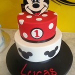 two-tier-round-birthday-cake-mickey-mouse-spots