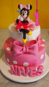 two-tier-round-birthday-cake-minnie-mouse-3D-letters-bow-pink